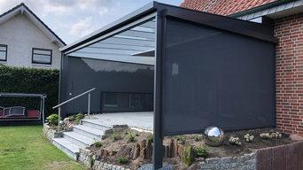 Terrassenüberdachung mit Unterglas-Markise und senkrecht Beschattung in Haltern