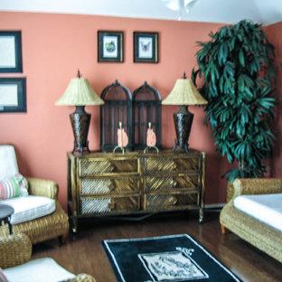 ヒューストンの中サイズのトロピカルスタイルのおしゃれなサンルームの写真