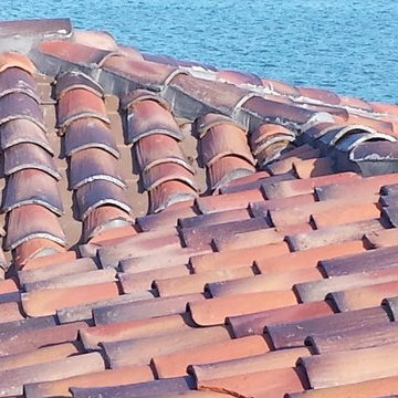 """D. Wade Artezanos Hybrid Clay Barrel Tile Roof with """"Invisible"""" Solar Thermal"""