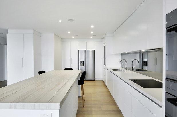 Modern  by Dan Kitchens Australia