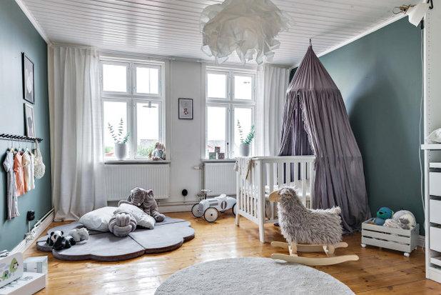 Скандинавский Комната для малыша by Bjurfors Gteborg