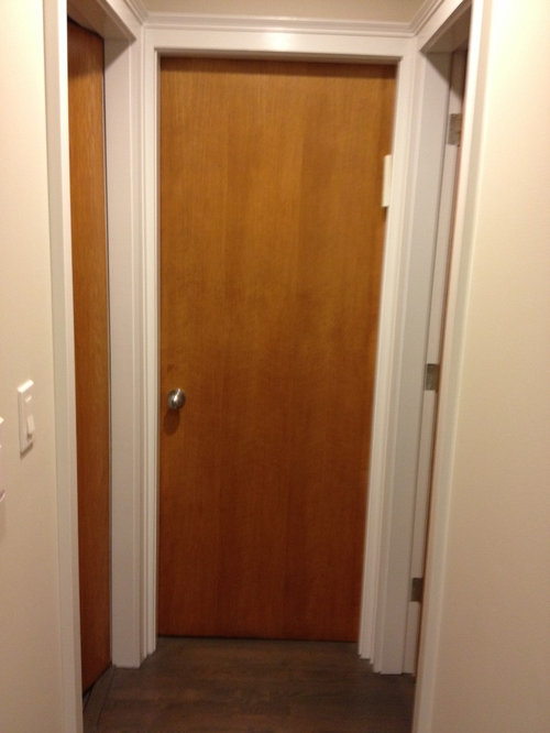 Charmant ... However, Because There Are No Panels, The Door Looks Too Commercial.  Any Ideas Before We Have To Replace All 27 Interior And Closet Doors In The  House?