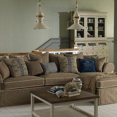Landhausstil Sofas & Couchgarnituren  HOUZZ