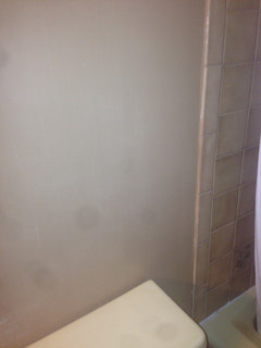 What color goes with 1980's Yellow bathroom suite & brown ...