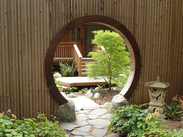 Eclectic Garden by Aaron G. Edwards Landscape Architect