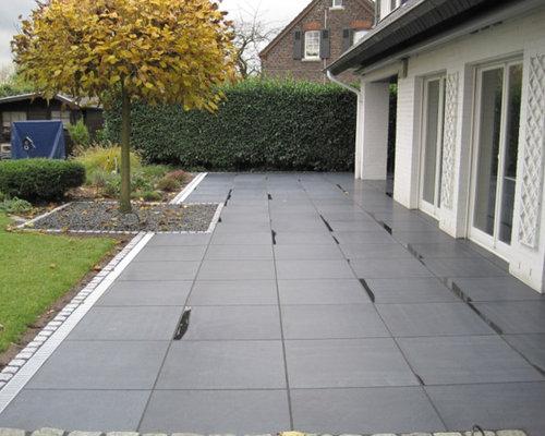 Terrasse Aus Dunklen Granitplatten