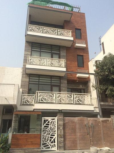 8 Balcony Railing Designs For Urban Homes