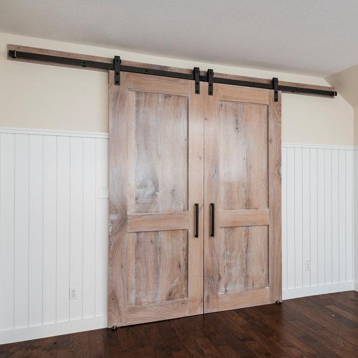 Woodwerd Family Room Barn Doors