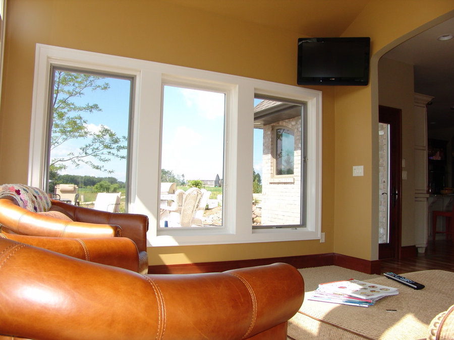 Sunny Sitting Room Television Corner Mount