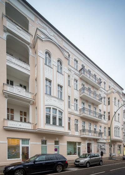 Skandinavisch  by Bewocon - Berliner Wohnbau Consult