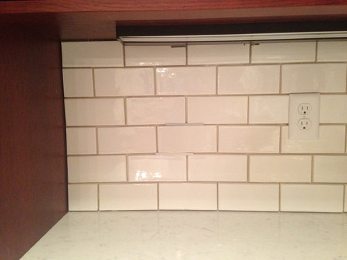 When I Look At This Don T See Yellow In The White Anymore But It S Not Same As Tile Crystal Suprema Mexican Handcrafted 3x6
