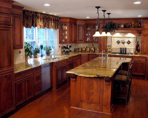 13 305 traditional kitchen with beaded inset cabinets for Beaded inset kitchen cabinets
