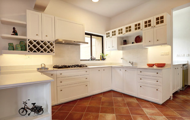traditional kitchen by snsofdesign - Best Material For Kitchen Cabinets