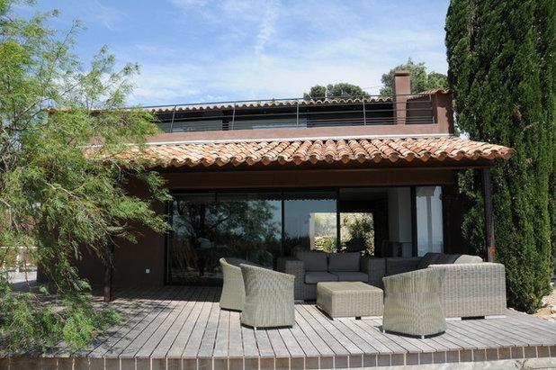 architecture r gionale la provence et ses toits de tuiles. Black Bedroom Furniture Sets. Home Design Ideas