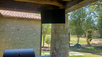 Outdoors, Stone Wall & Fire Place