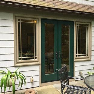 Elegant home design photo in Bridgeport