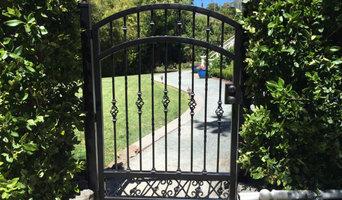 San Rafael vehicle gate w/automation and garden gate