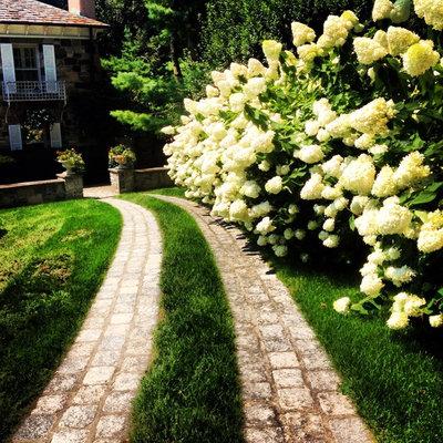 Traditional Landscape by Morano Landscape Garden Design Ltd
