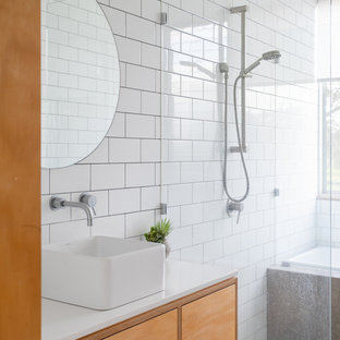This is an example of a contemporary bathroom in Perth.