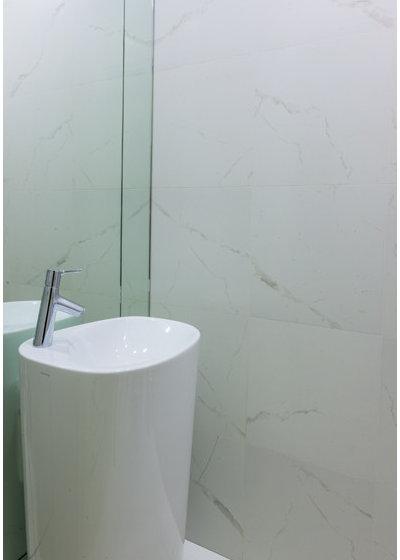 Современный Туалет by Msk Interior