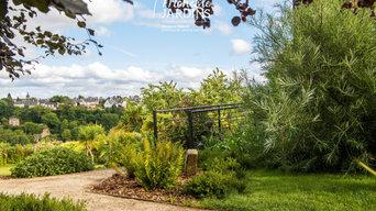 Jardin en ville plein de vie