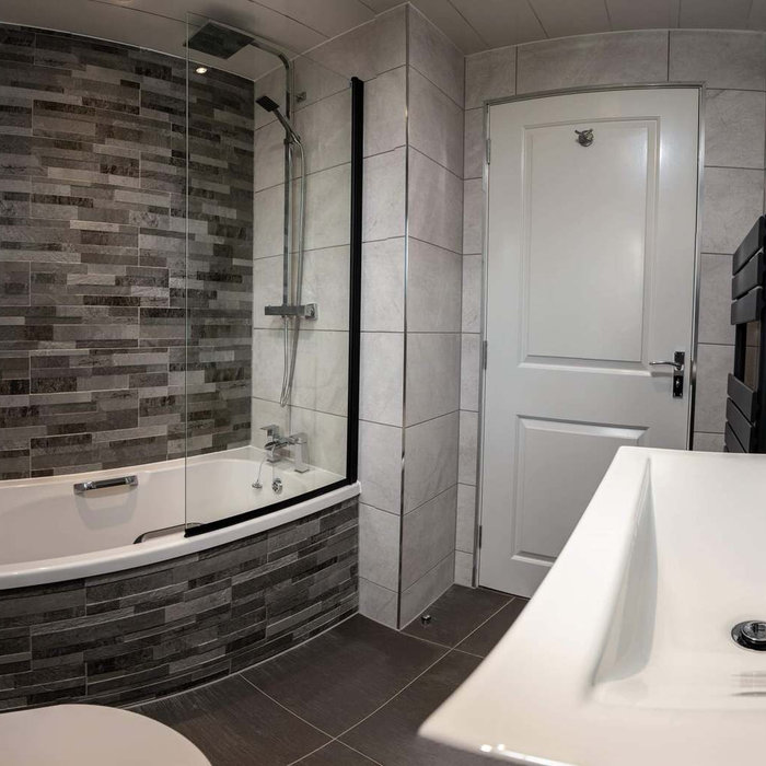 White , Modern , Bathroom