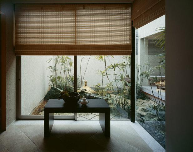 モダン  by 横堀建築設計事務所 Yokobori Architect & Associates