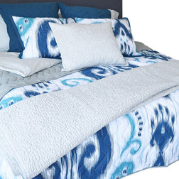 Spectacular Transitional Quilts And Quilt Sets Ikat Quilt Blue King