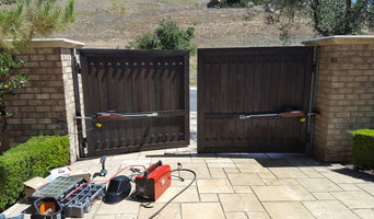 Dual swing gate openers installation