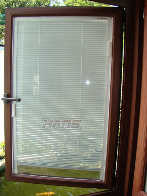 Windows with built in blinds bay window shutters thomas for Windows with built in shades