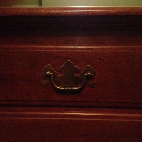 Replace bedroom furniture handles?