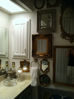 pls help rescue this almond bathroom from the 80 s rh houzz com