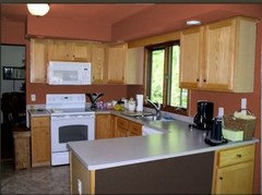 how to color kitchen cabinets kitchen color help 7223