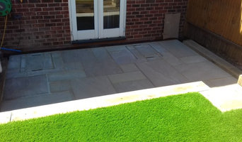 Wallington natural stone sleepers and artificial turf