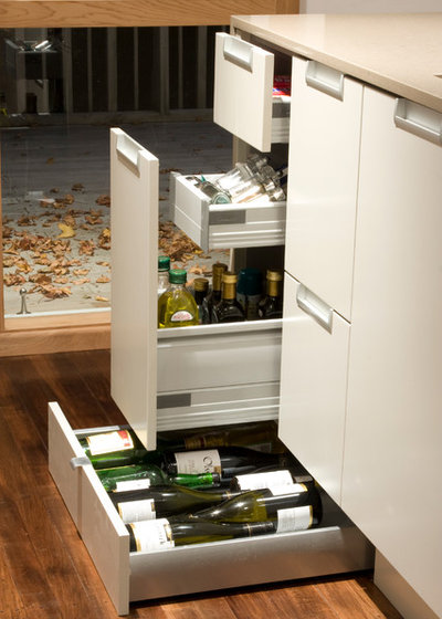 Современный  by Kitchen Architecture Ltd