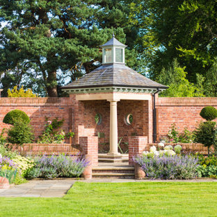 This is an example of a classic garden in Manchester.
