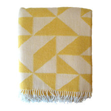 Guest Picks: Cozy & Colorful Blankets