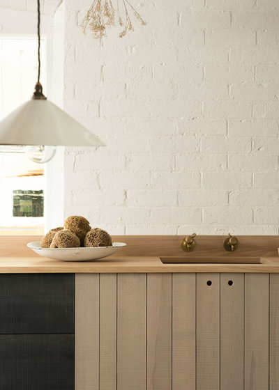 Country  by deVOL Kitchens