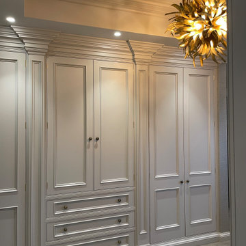Bespoke dressing room in Zoffany 'Half Silver', complete with lacquered oak inte