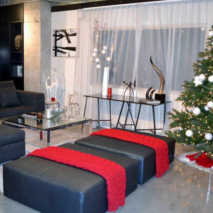 MODERN CHRISTMAS DECORATING