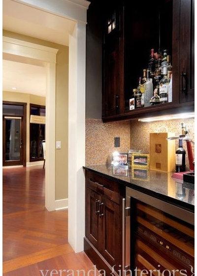 Dining Room by Veranda Estate Homes Inc.