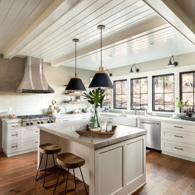 Kitchen - cottage kitchen idea in Other