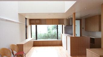 宮坂の家-リビングよりダイニング・キッチンを望む