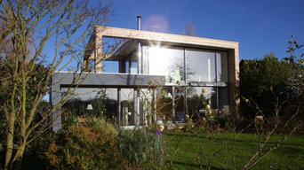 """Filigranes Holzhaus: """"Wohnen und Arbeiten unter einem Dach"""""""