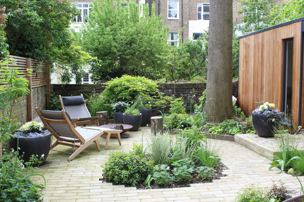 Shabby-chic Style Garden by Belsize Gardens