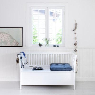 Skandinavisk  by Oliver Furniture