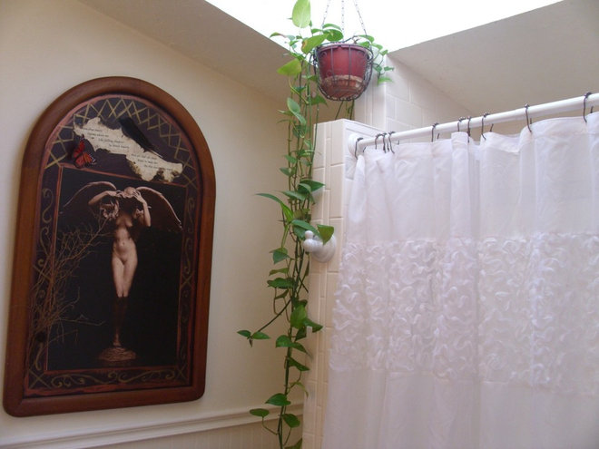 Reader Bathroom: Romantic and Classic for $9,000 in Minnesota