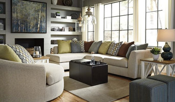 2-Piece Sectional with Left Chaise & Loose Back Pillows by Benchcraft