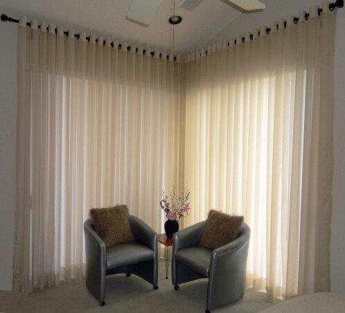 Tende moderne su ordine (Custom modern drapes)