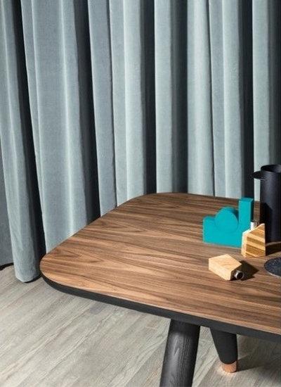 Moderne Salle à Manger by Lomuarredi Ltd